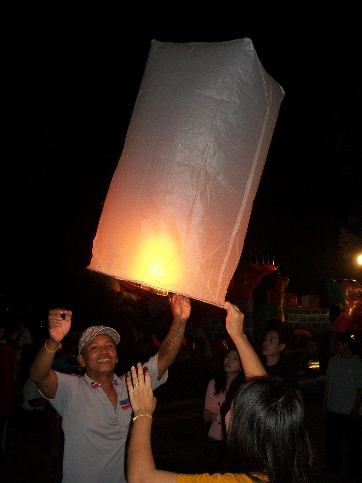 Thaïlande : SECURITE AERIENNE – Près de 100 vols annulés sur Chiang Mai pour Loy Krathong
