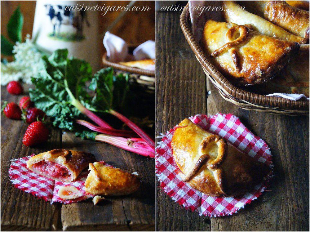 Chaussons à la Fraise et à la Rhubarbe, en pâte feuilletée légère au petit-suisse