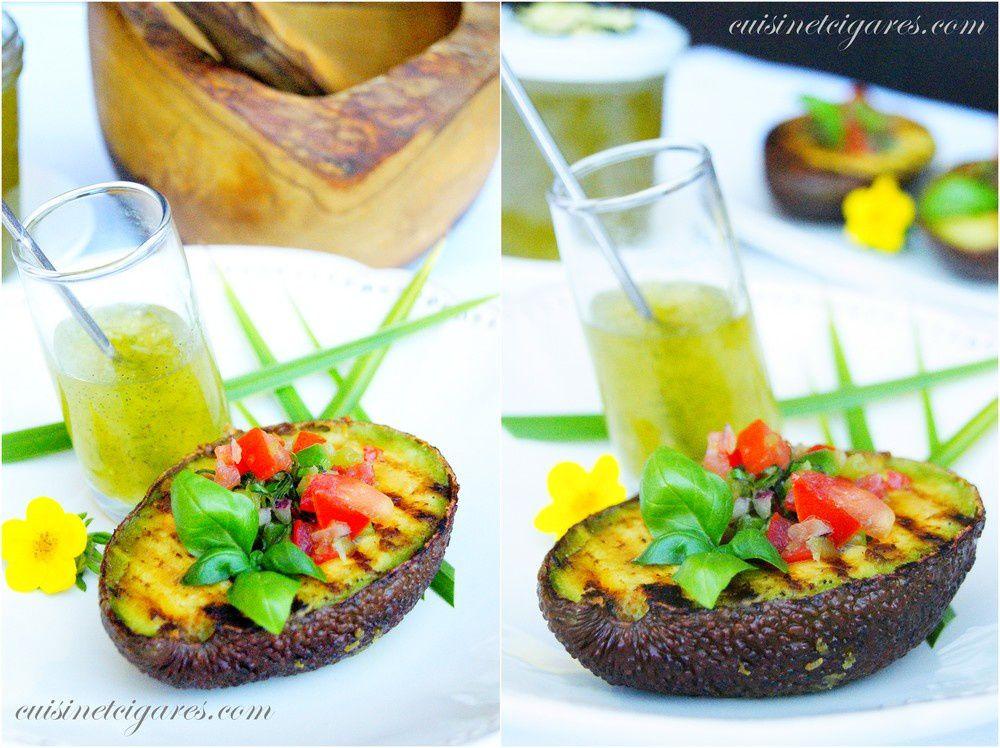 Salsa de Tomates dans son Avocat grillé et sa Confiture de Concombre à la Vanille