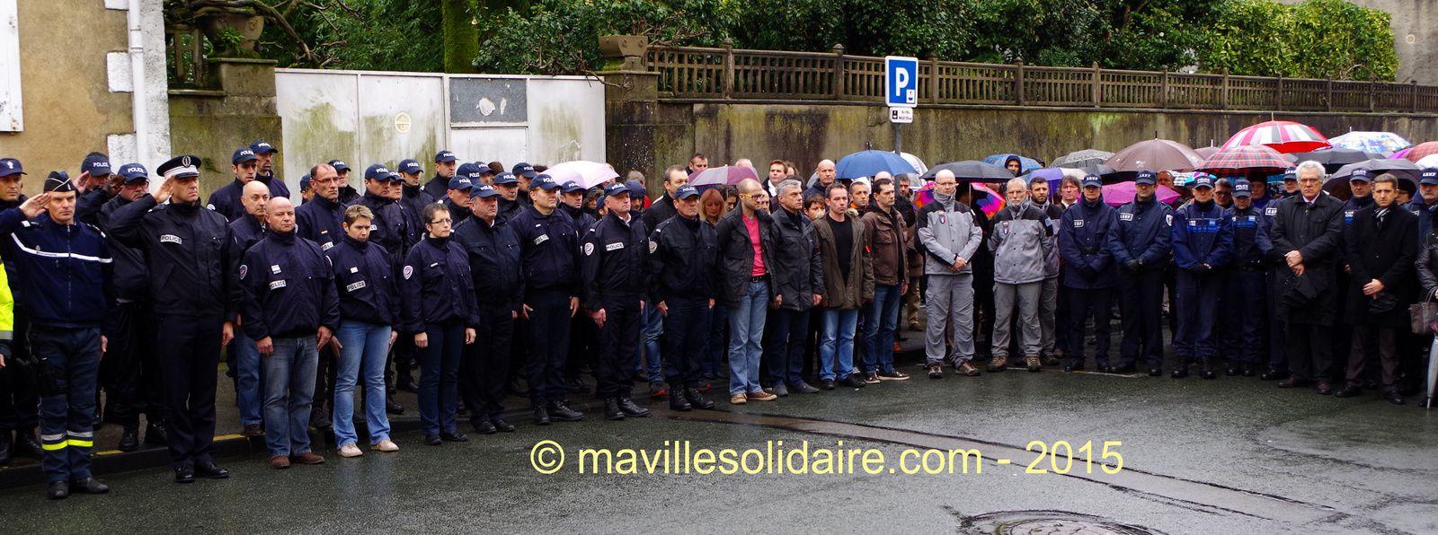 Une minute de silence à l'Hôtel de Police de la Roche-sur-Yon