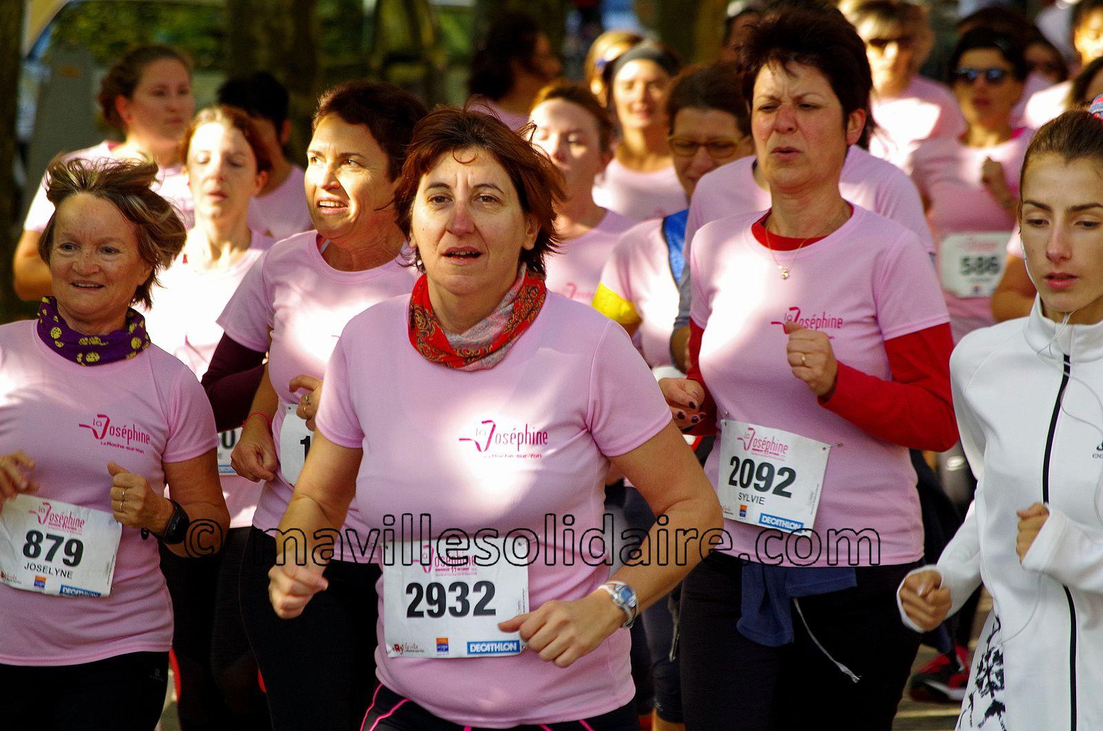 La Roche-sur-Yon solidaire face au cancer. [Images]