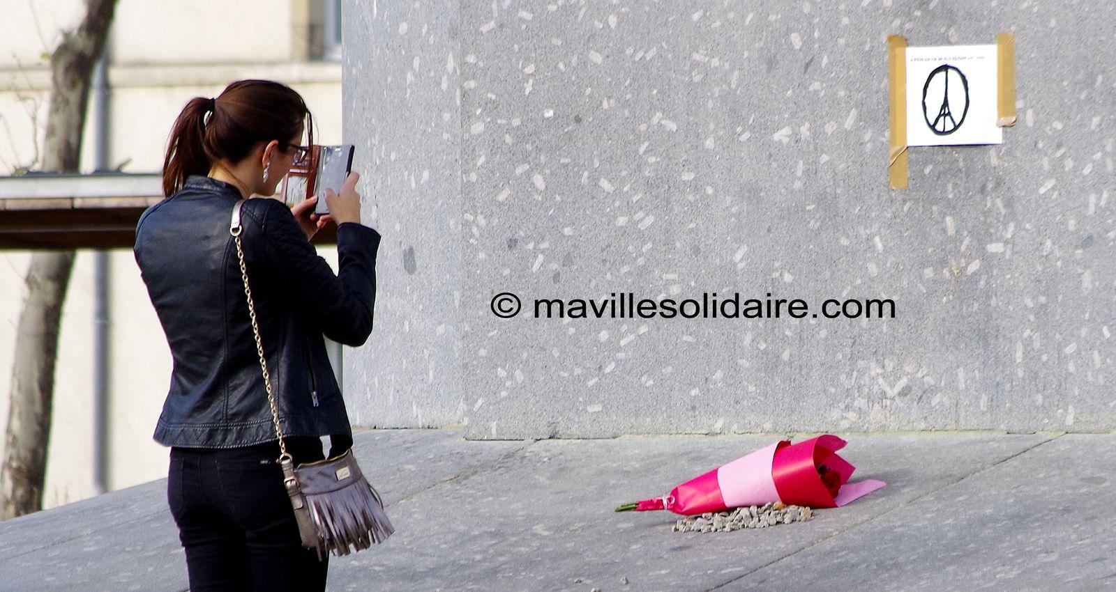 Attentats à Paris, le Préfet et les élus vendéens déconseillent les rassemblements de solidarité.