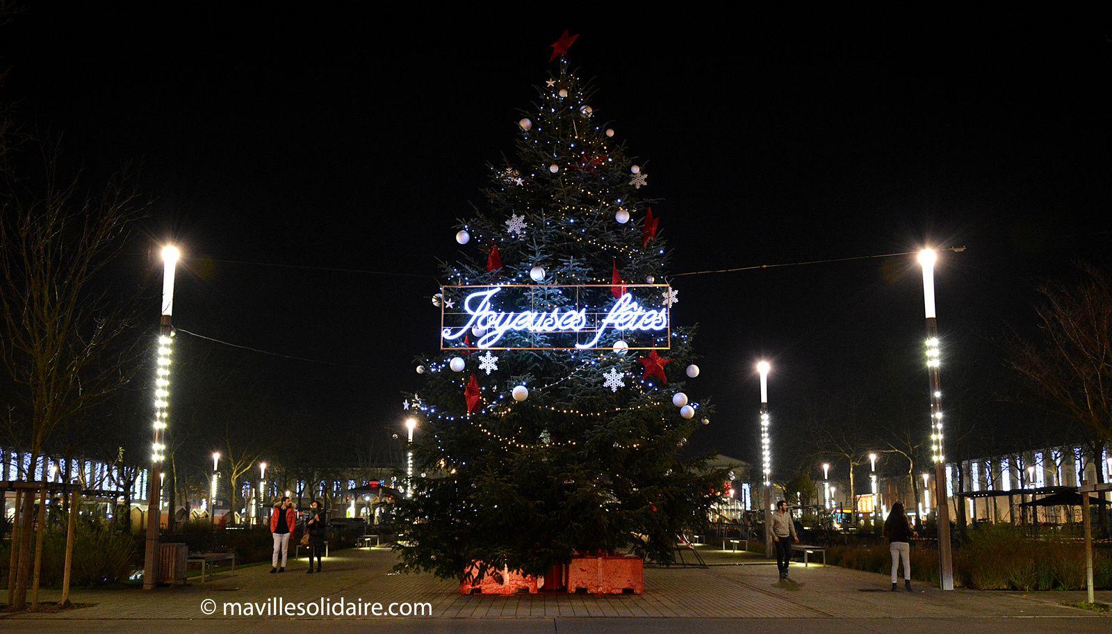 Noël. Les Yonnais éclairent la ville de toutes les couleurs.