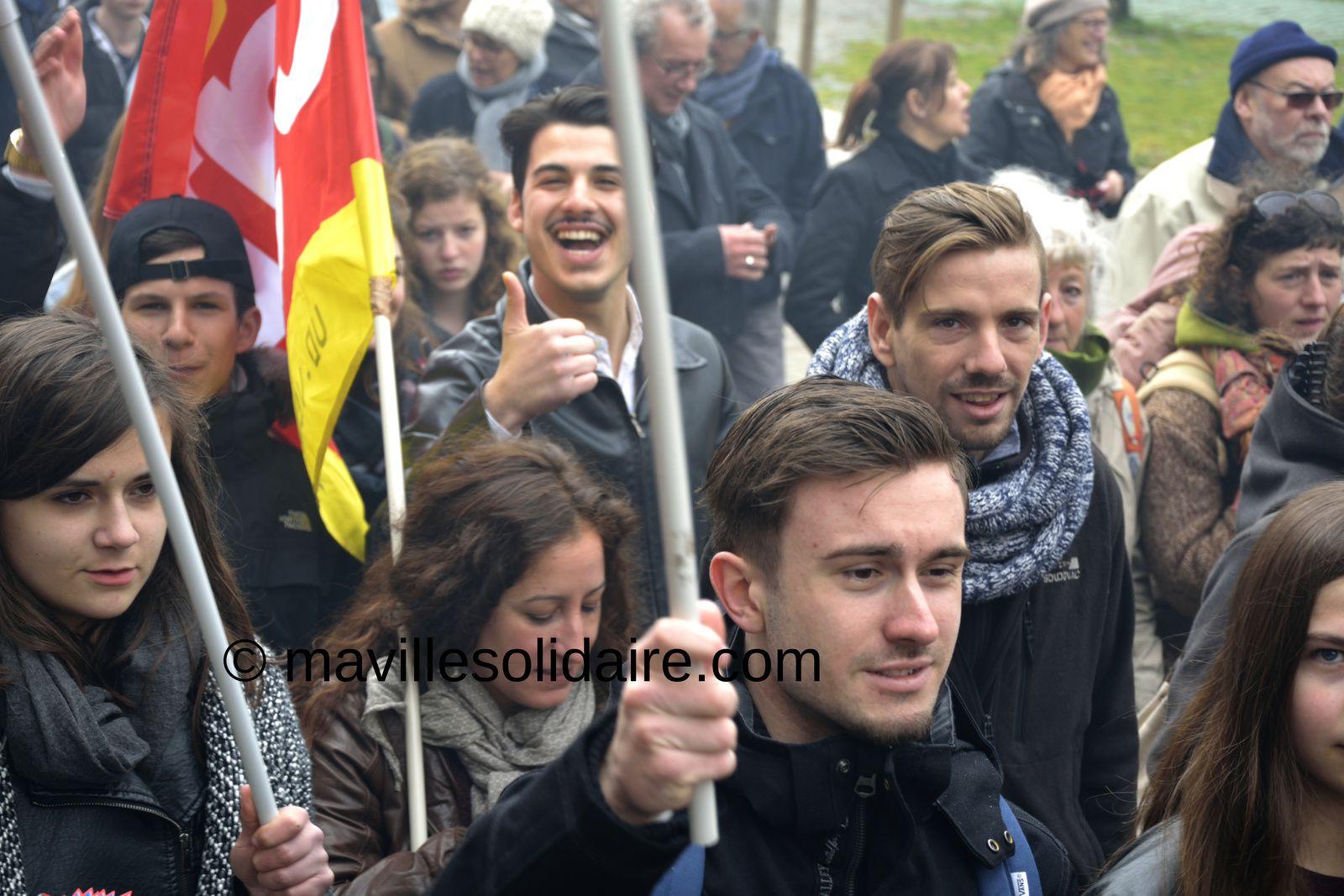 La Roche-sur-Yon. Plus de 2000 manifestants contre la loi travail [images]