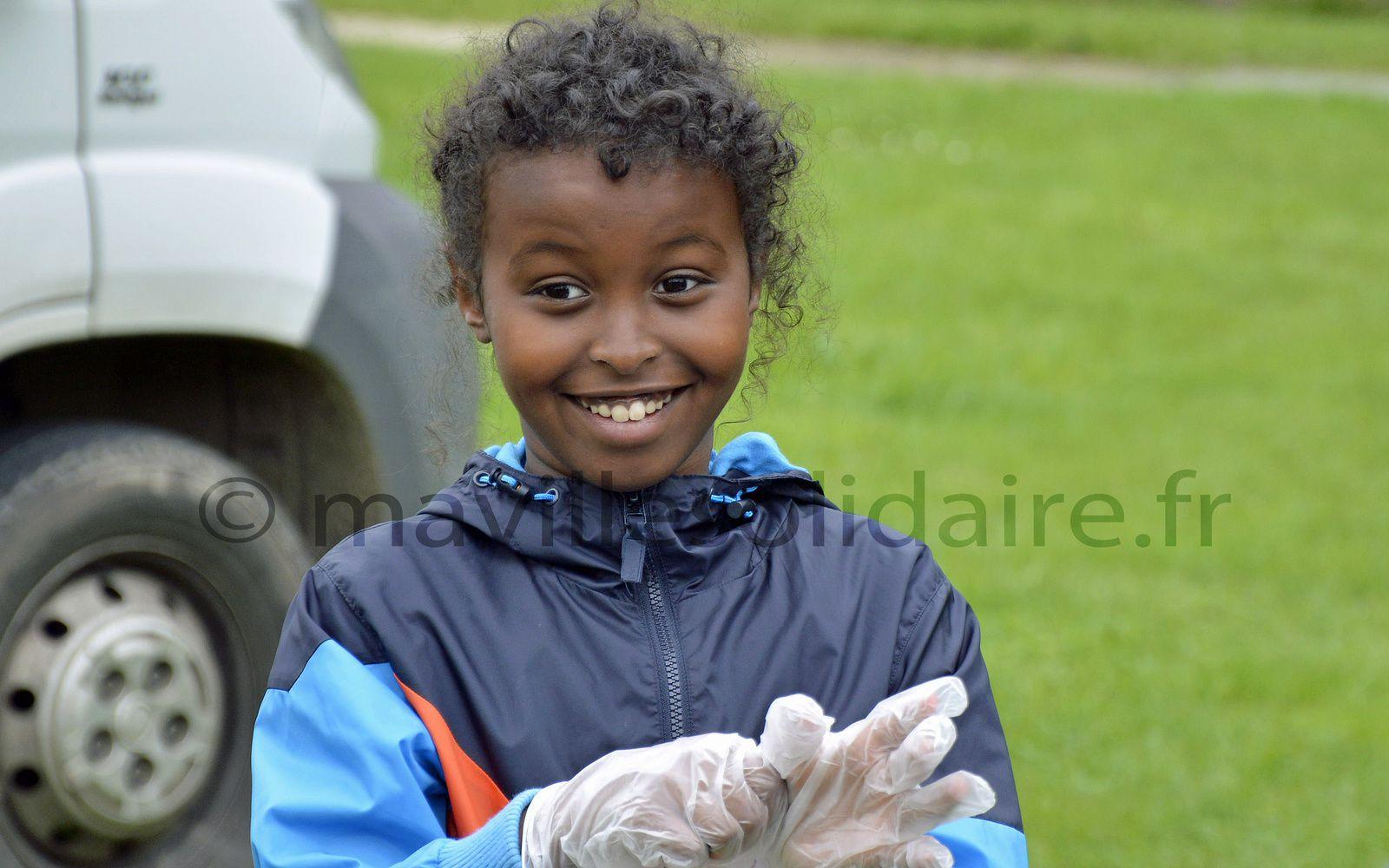 La Roche-sur-Yon. Propreté de la ville, les enfants montrent l'exemple.