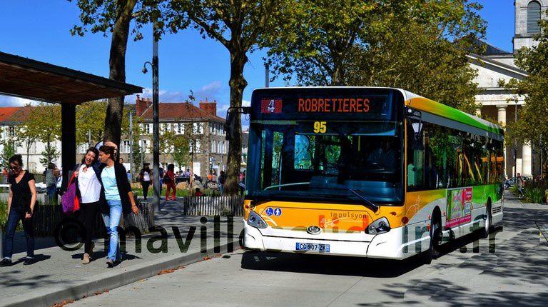 La Roche-sur-Yon. Pas de bus place Napoléon et rue Clemenceau les trois premiers samedis de décembre.