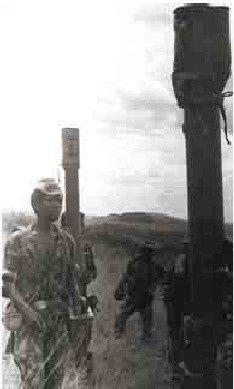 """Faleceu o antigo Chefe das Operações do Estado Maior das ex- FAPLAS e Commisário Provincial do Bengo nos anos 80, PEDRO BENGA LIMA """" FOGUETÂO"""". O malogrado foi também membro do Comité Central do MPLA. Natural do Bembe, na província do Uige. Foi guerrilheiro na luta pela libertaçâo de Angola (na imagem). Segundo Mbuta Muntu Ernesto Mulato, o General Foguetão, faleceu na África do Sul."""