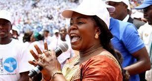 """Irmã Sofia leva disco """"Fusão gospel"""" ao público do Uíge"""