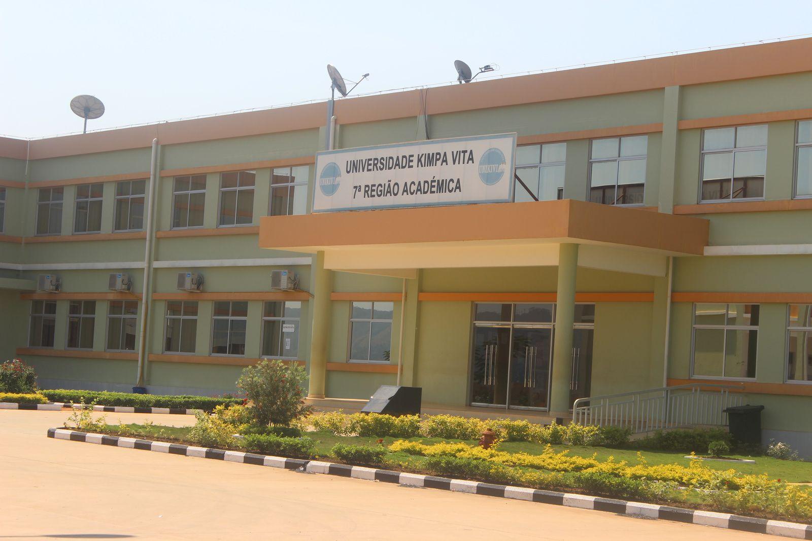 Universidade Kimpa Vita, na Cidade do Uige. Imagem de Muana Damba