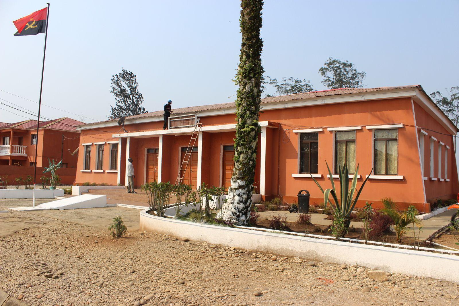 A Administraçâo Municipal da Damba. Imagem do Muana Damba