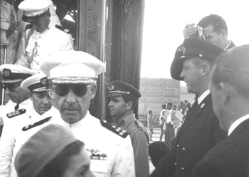 1954 recebendo o Presidente da República General Craveiro Lopes em Moçamedes.