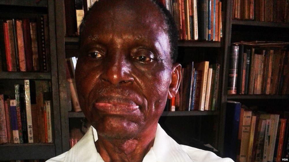 O nacionalis e escritor angolano Manuel Kunzika