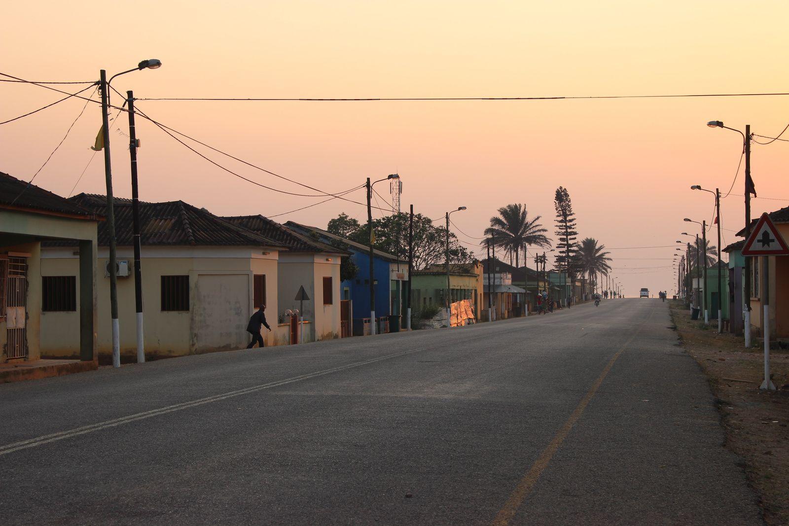 Aspecto da vila da Mukaba. Imagem do Muana Damba