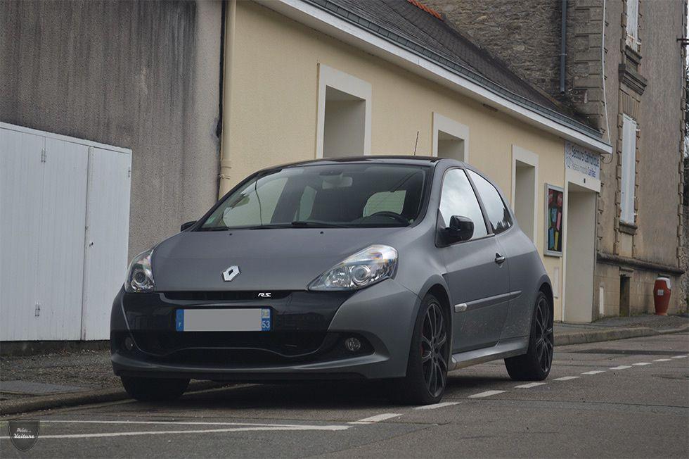 AA21 • Renault Clio 3 RS Ange et démon '11