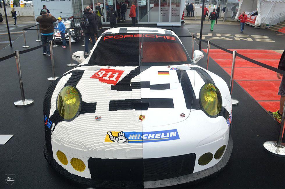 Porsche crée la surprise en exposant une 911 RSR en lego