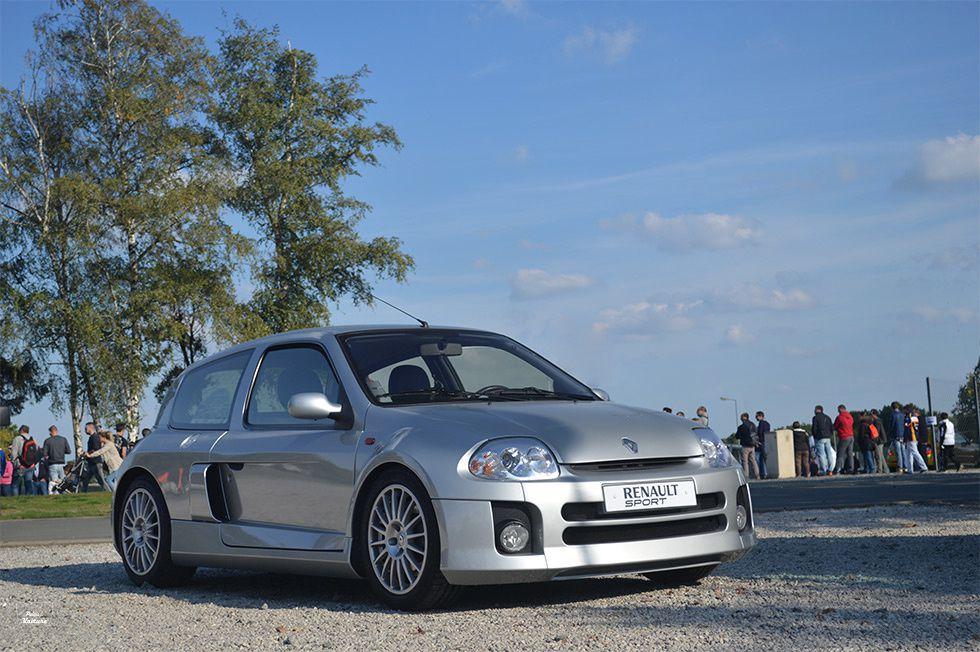 AG30 • Renault Clio 2 V6 '00