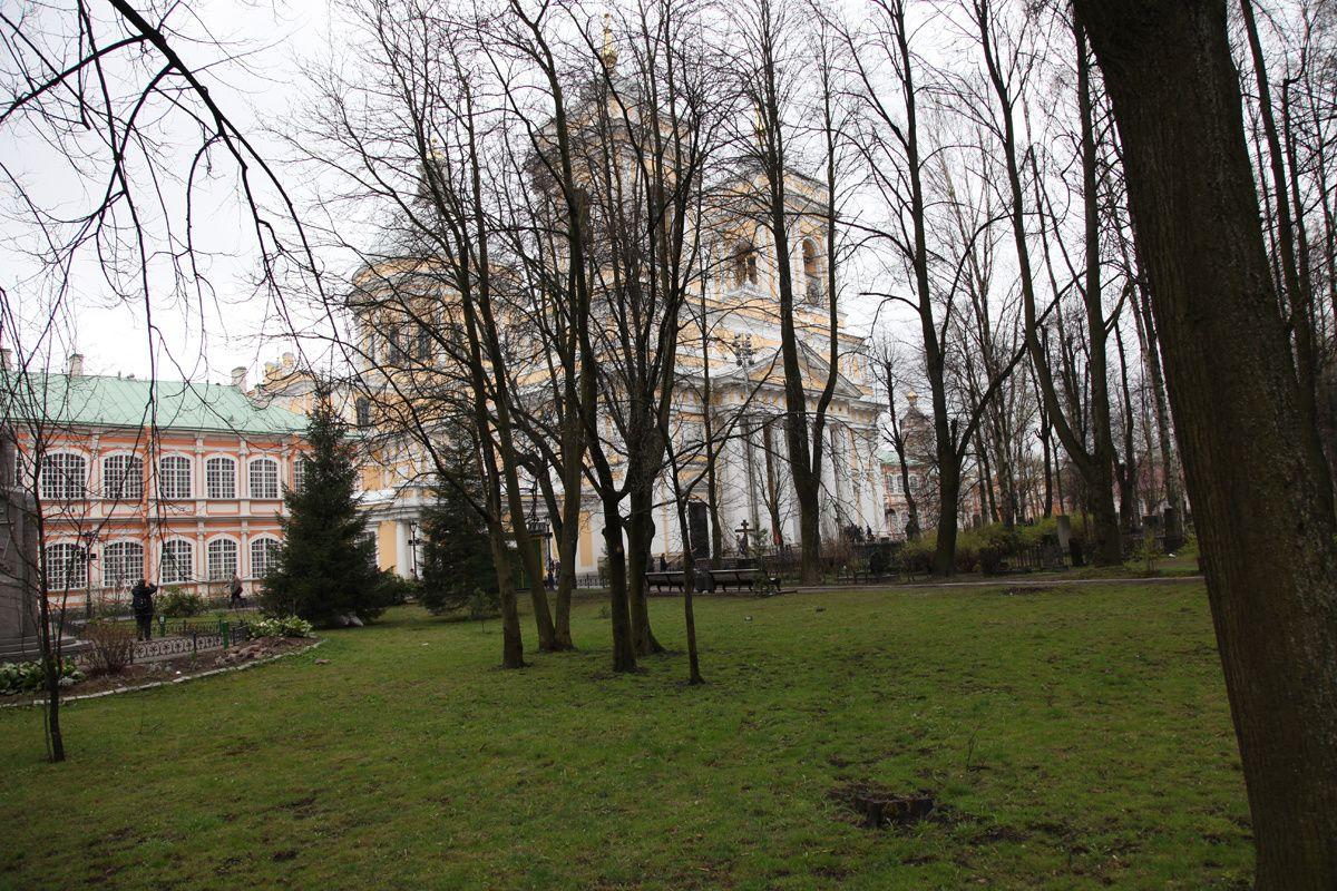 L'église et le monastère Alexandre Nevski