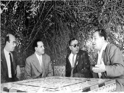 Abdelhamid Mehri à la gauche de Ferhat Abbas, avec  M'Hamed Yazid et Ahmed Boumendjel