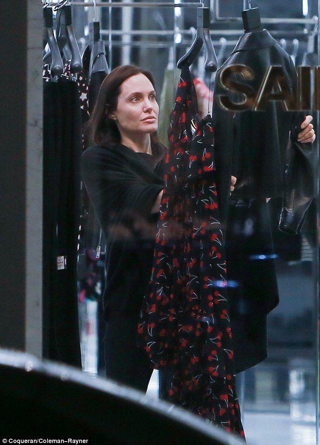Découvrez Angelina Jolie sans maquillage ! oupps !