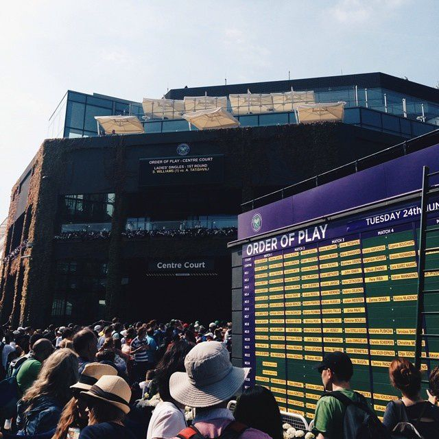 L'ART DE LA QUEUE... À WIMBLEDON