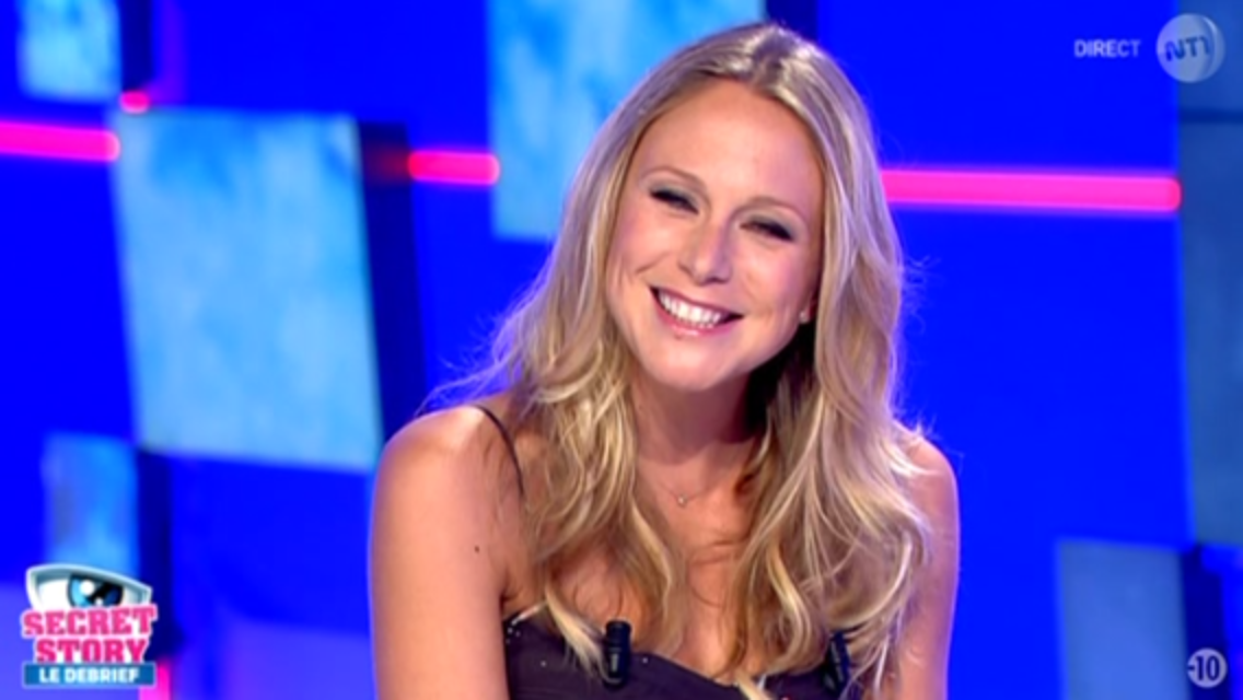 2015 09 04 - JULIE TATON pour SECRET STORY 9 LE DEBRIEF sur nt1