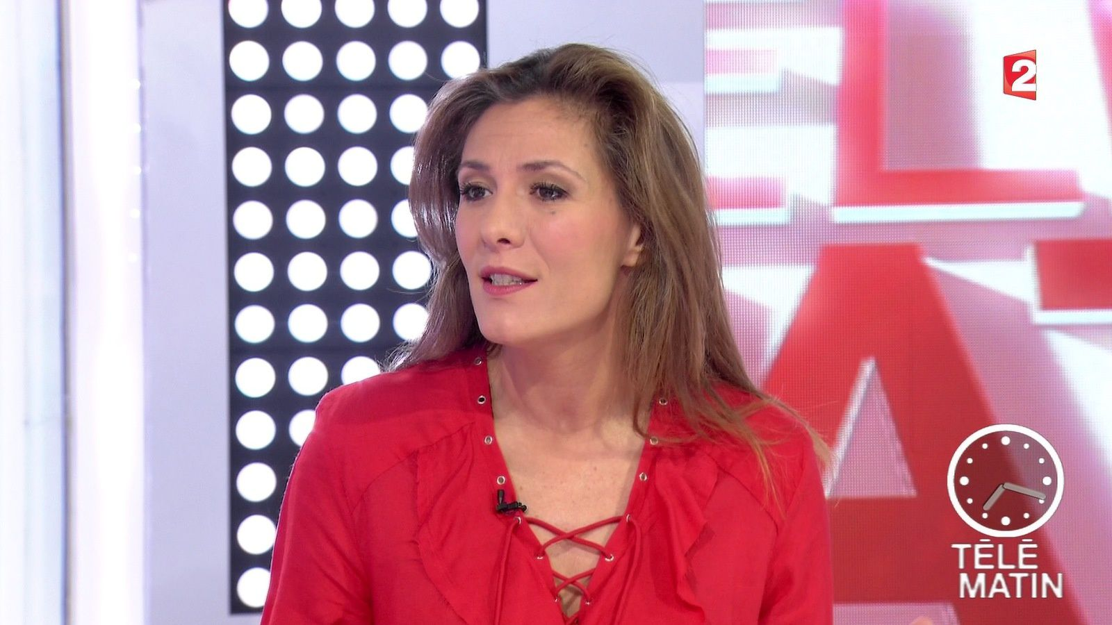 marie mamgioglou dans telematin le 2016 03 25 sur france 2. Black Bedroom Furniture Sets. Home Design Ideas
