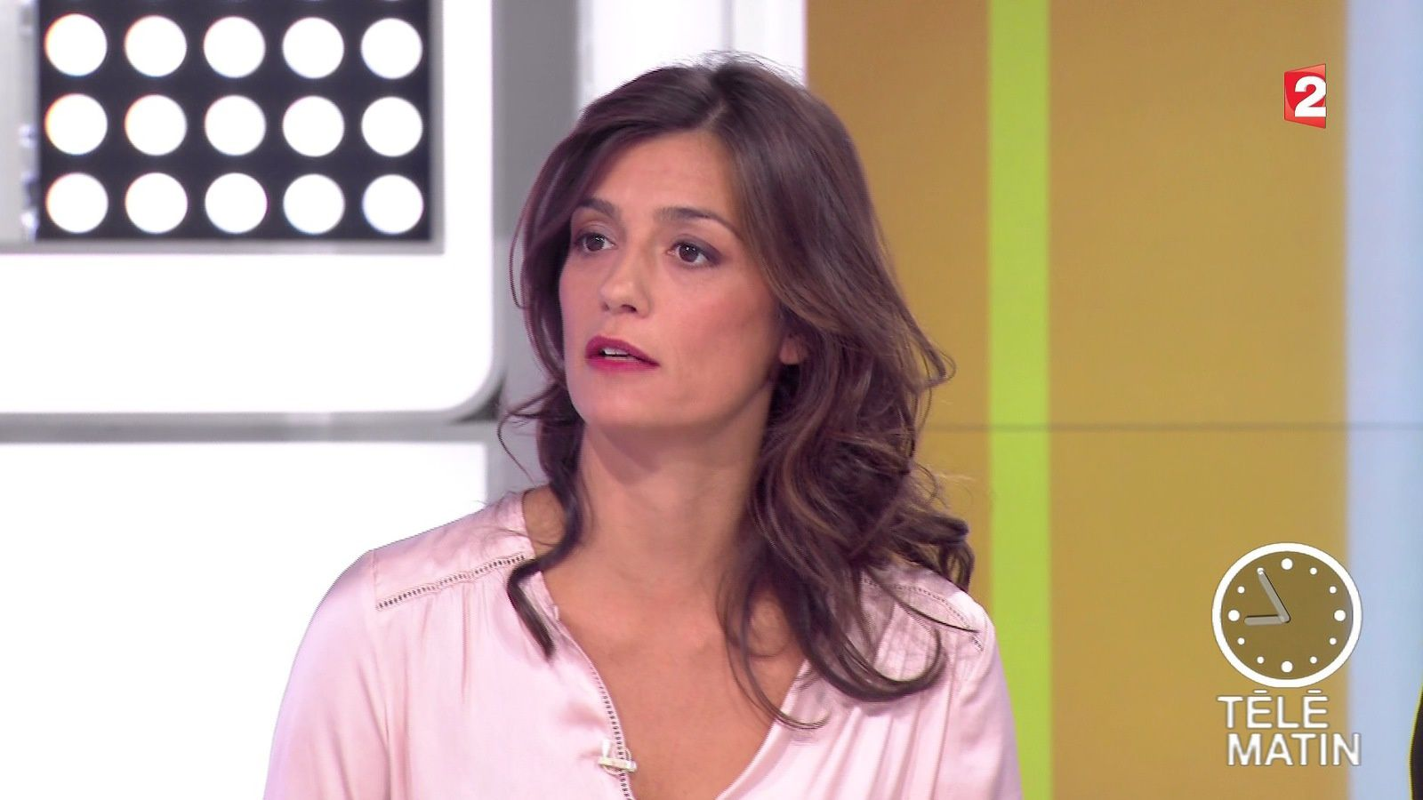 Tania young dans telematin le 2016 04 15 sur france 2 for Telematin cuisine france 2