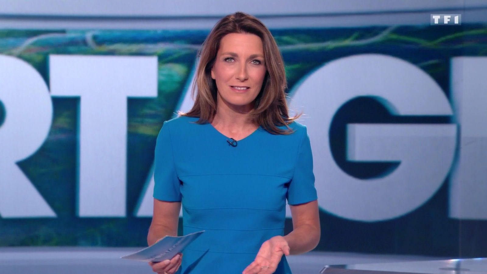�8 ANNE-CLAIRE COUDRAY @ACCoudray @TF1 pour GRANDS REPORTAGES ce midi #vuesalatele
