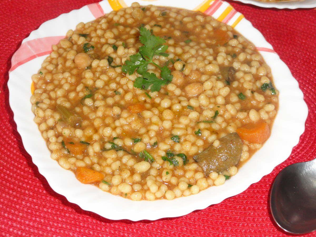 Berkoukes belkhadra et kasber (plombs aux légumes et coriandre)/ plat algérien