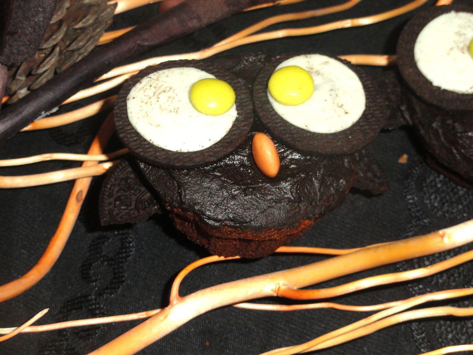 Cupcakes hibou pour Halloween (cupcakes aux biscuits Oréos)