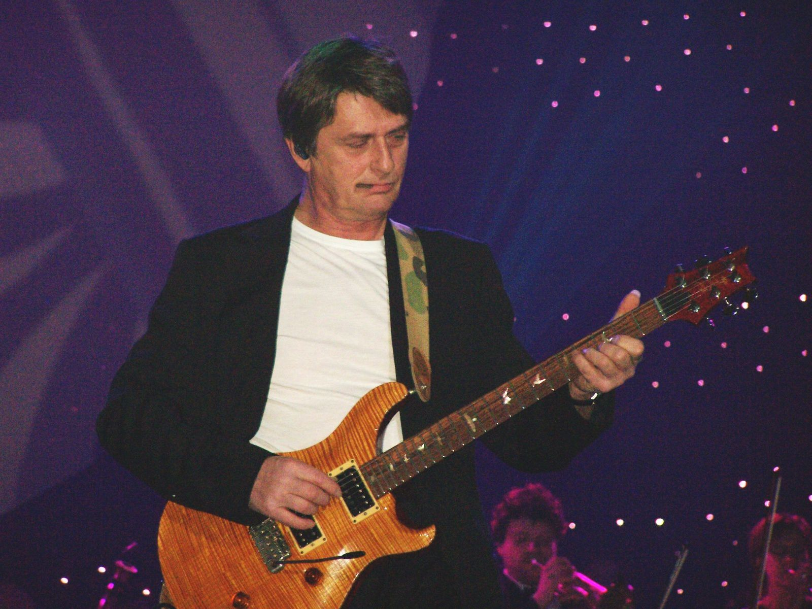 Mike Oldfield And Roger Chapman Shadow On The Wall Extended Version