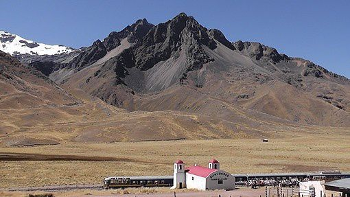 Le train des Andes à plus de 4000 m.