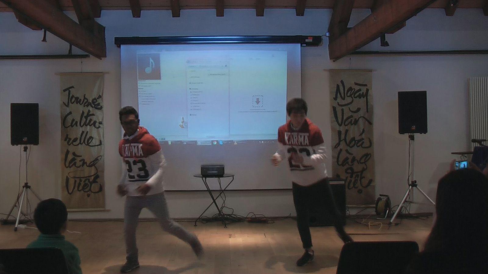 telle la danse moderne avec le hip-hop de Remy et Navith