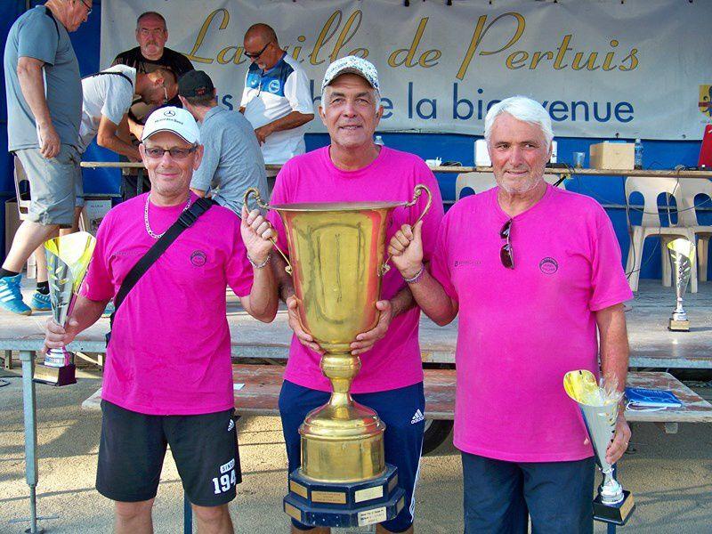 L'équipe Blasco remporte le 75e National bouliste