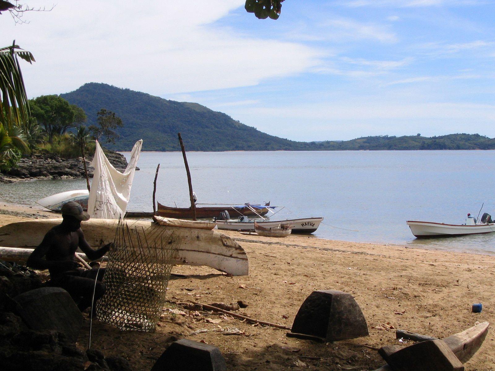 Nosy Be ~ Ballade en 4L dans toute l'île, excursion à Nosy Komba, journée sur un îlot de sable blanc, Ballade en quad sur le Mont Passot et farniente à l'hôtel du grand bleu