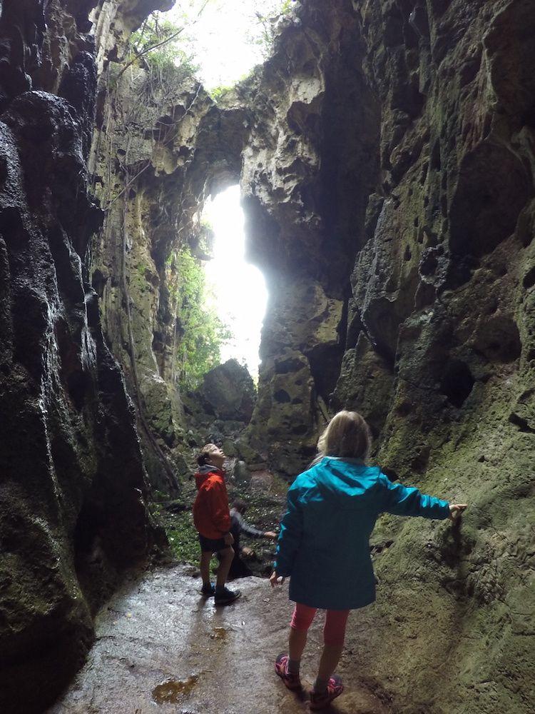 Grande Chefferie de Hnathalo et grotte du diable ~ Lifou