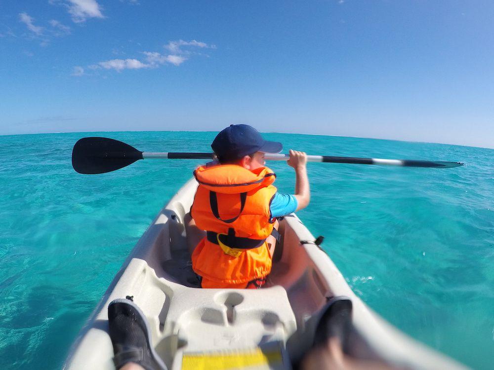 Un grand tour en Kayak sur le lagon avec Noha et un petit tour avec Maël