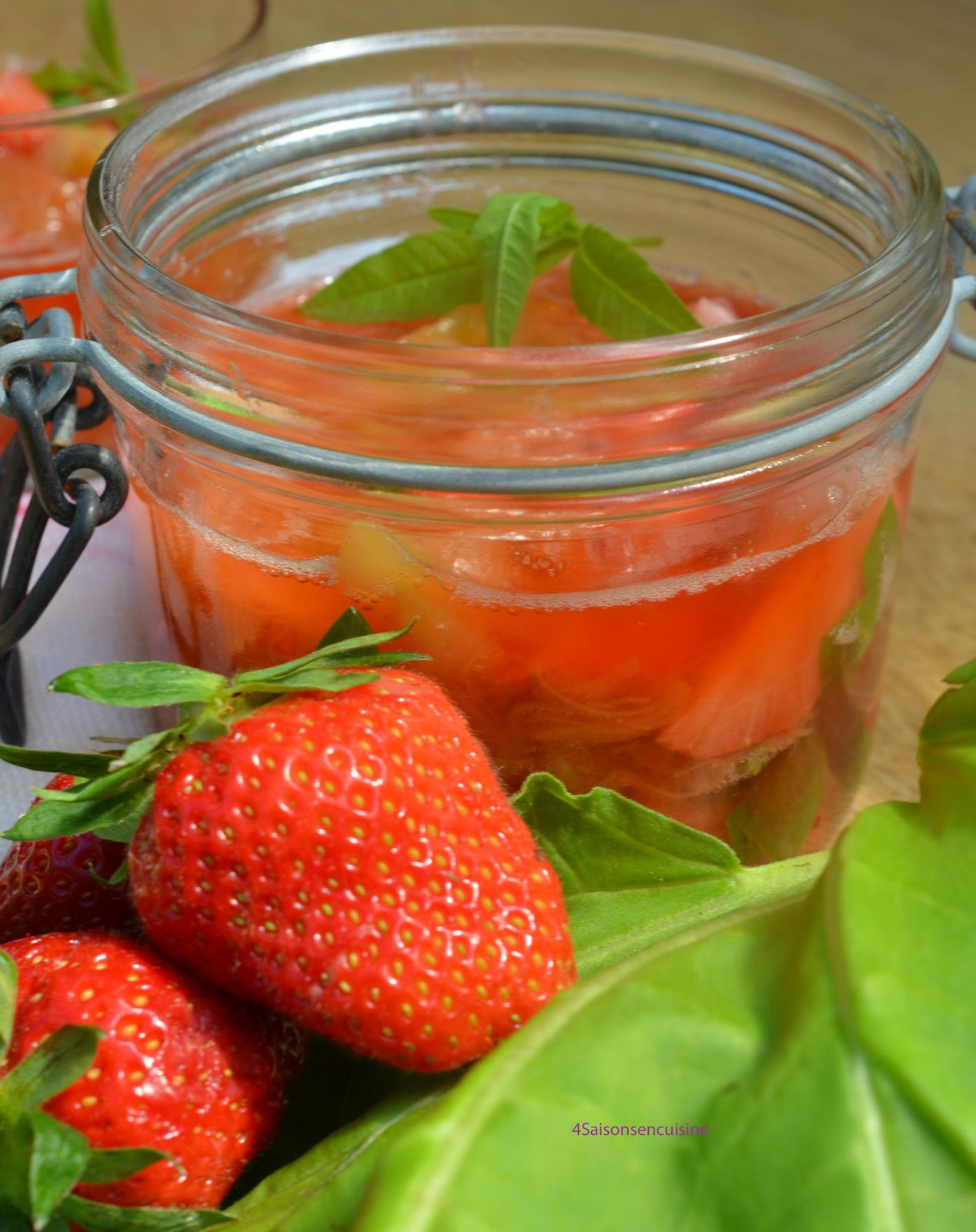 Soupe rhubarbe fraise