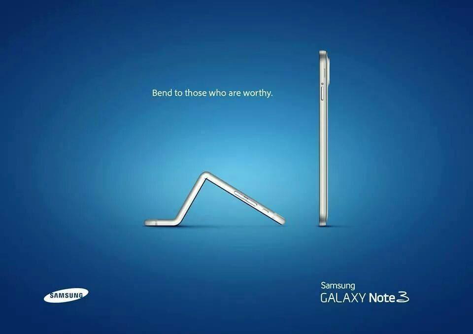 Ma préférée : l'iphone 6+ se plie pour faire allégeance au roi Samsung Note 3.....
