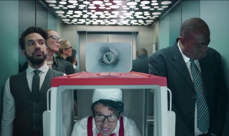 Le mini '' Office Ice Cream Truck '' Unilever ou la dérision au service de la dégustation.