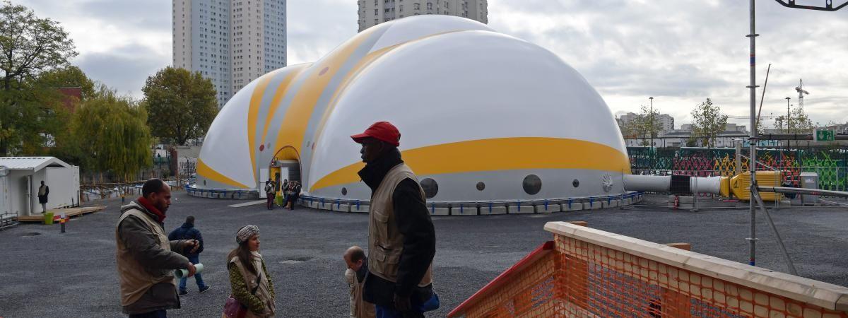 Paris: le centre d'accueil a déjà hébergé plus de 5.000 migrants