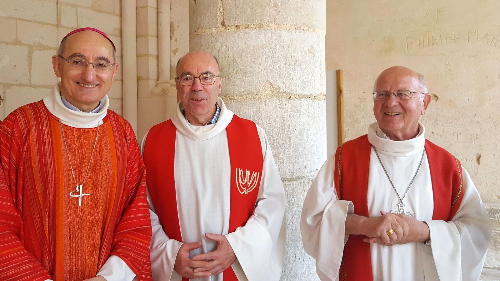 Hervé GIRAUD, Arnaud FAVART, vicaire général et Yves PATENOTRE (ancien évêque de la Mission de France)