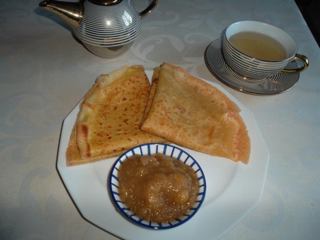 Crêpes à la vanille sans lactose ou petit déjeuner pour intolérant au lait de vache