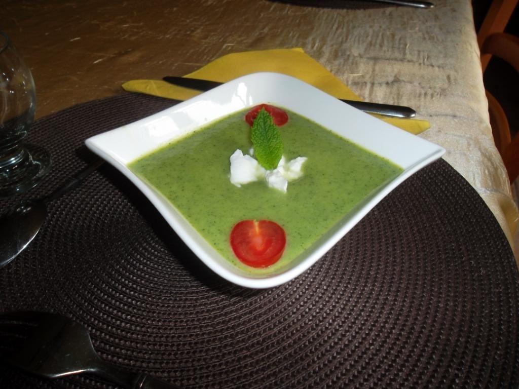Soupe froide de courgettes et mozarella
