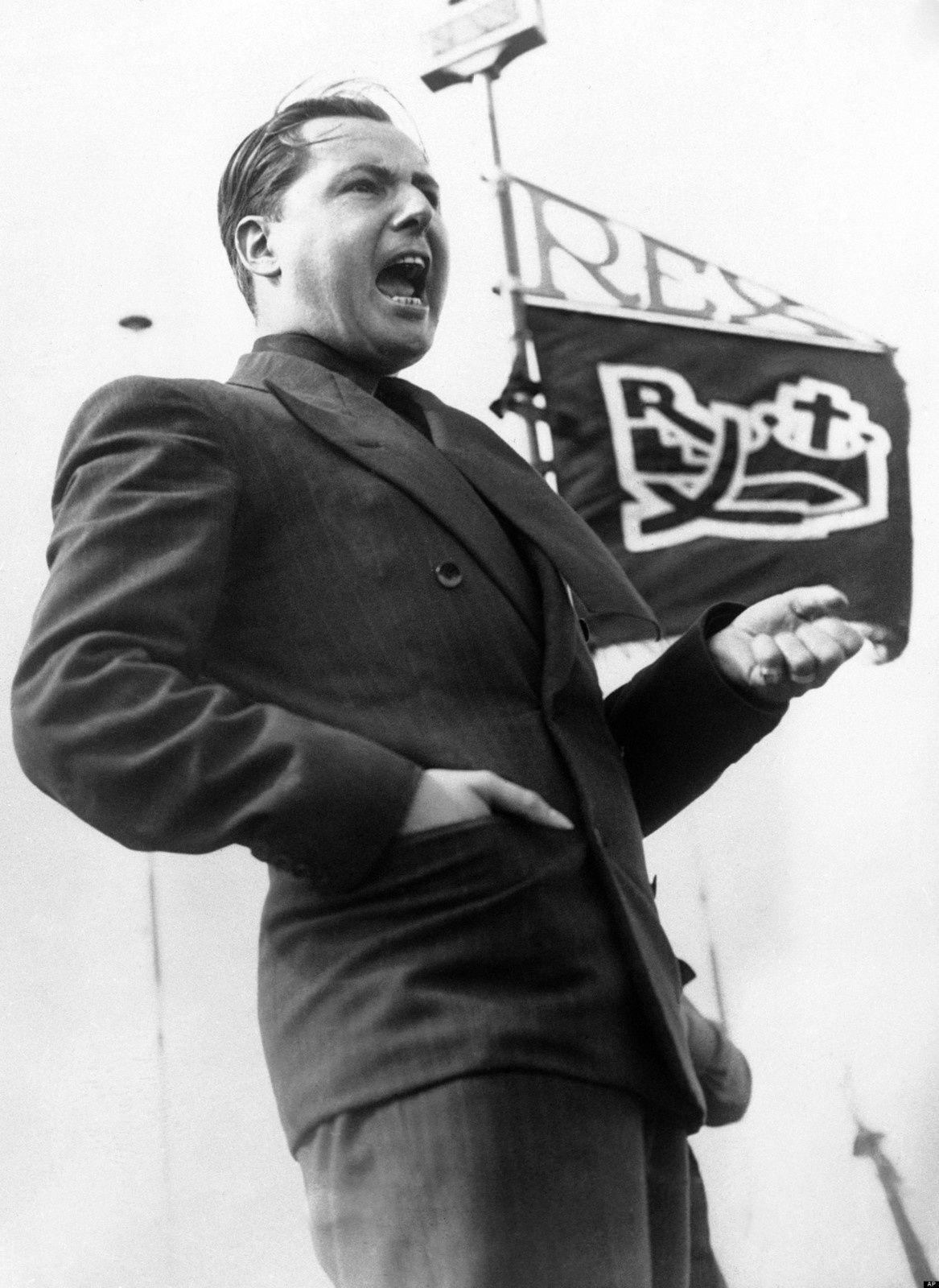 """Léon Degrelle, le """"chef"""" de Rex représenta un danger pour la démocratie belge en 1936 - 37. Après, il fut démonétisé..."""