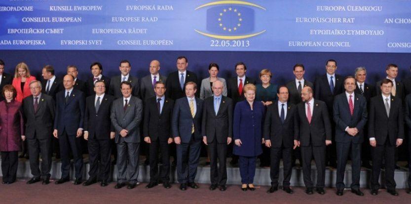 Conseil européen du 22 mai 2013. Elio Di Rupo (cinquième au deuxième rang à partir de la gauche) ne pesa pas lourd.