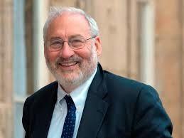 L'Américain Joseph Stiglitz, Prix Nobel d'économie 2002, ne cesse de tirer la sonnette d'alarme pour les Européens.