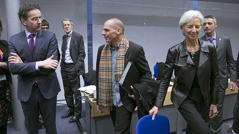 Yanis Varoufakis parfaitement à l'aise entre Jeroen Dijsselbloem, président de l'Eurogroupe et Christine Lagarde, directrice générale du FMI