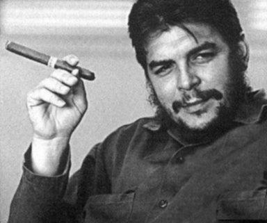 Ernesto Che Guevara voulait mondialiser sa lutte. Face à la mondialisation néolibérale et son corollaire la criminalité financière, ne faut-il faire de même ?