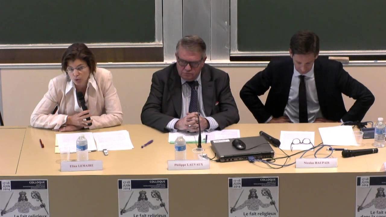 Elina Lemaire, Maître de conférence de droit public à l'Université de Bourgogne (à gauche sur le cliché) est ferme sur les deux piliers de la laïcité.